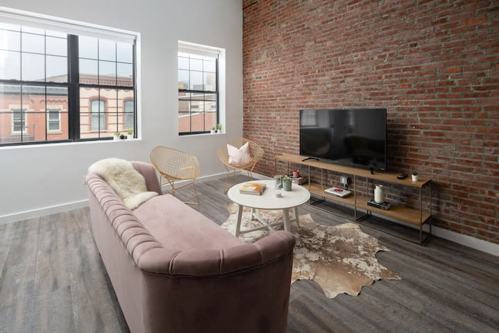 Huge 4 Bedroom Loft,minutes from Tribeca and WTC!!