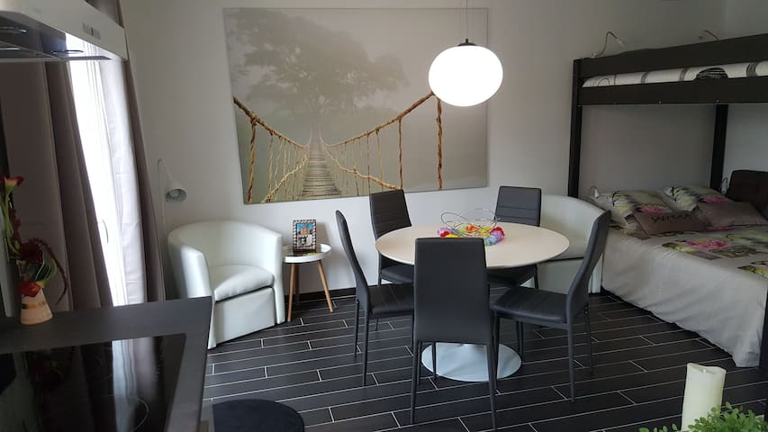 Studio 31 m2 tout confort avec piscine