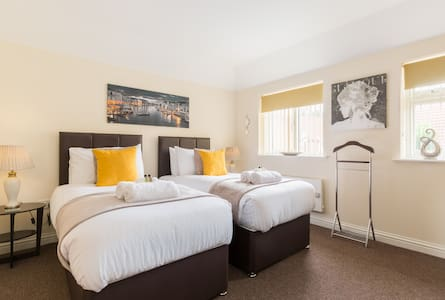 Two-bed Apartment, Meriden, near NEC & Airport