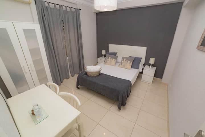 Old Town Alicante - Matrimonial. Baño compartido - Tarifa estandar
