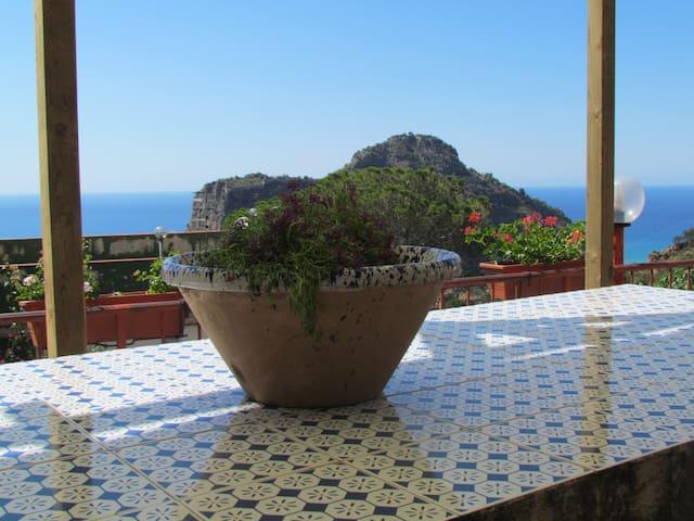 Villa DaMa        casa vacanze