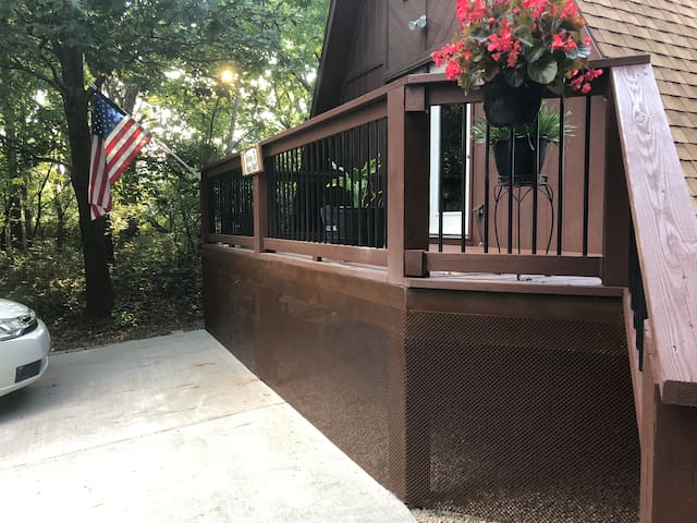 Front portion of the deck that leads to the front door.