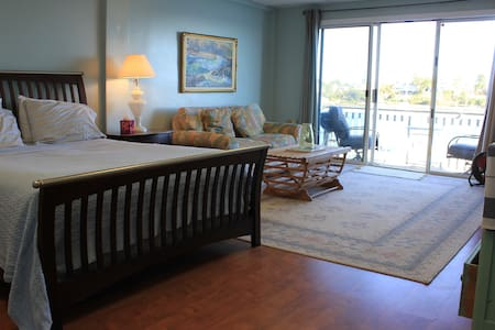 Gloucester Harborscape View 1BR+1/2 - Gloucester