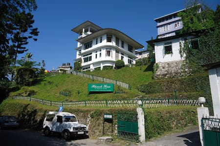 Rhenock House- A luxury Villa (Executive) - East Sikkim - Bed & Breakfast