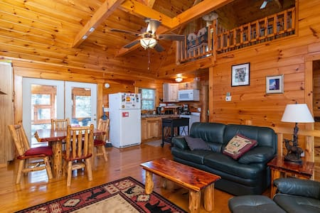 Hot Tub & WiFi - Large Family Cabin - Bear Grass Lodge - Red River Gorge, KY!