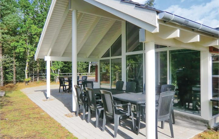 Stunning home in Köpingsvik with Sauna, WiFi and 5 Bedrooms