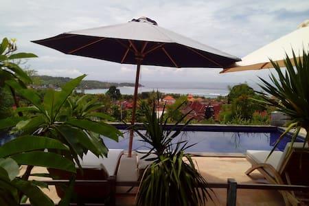 TWO CONNECTING ROOMS BUDGET SLEEP SWIM INLEMBONGAN - Nusapenida - Villa