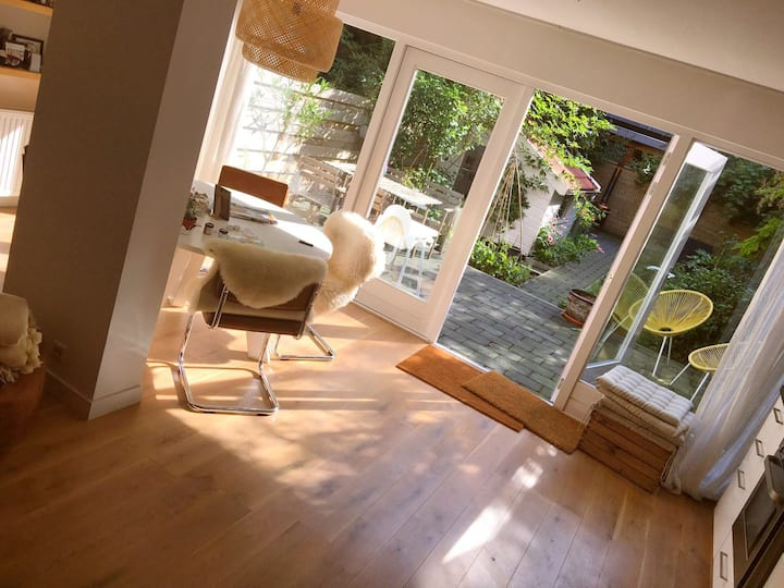 SUNNY GROUND FLOOR APT with GARDEN