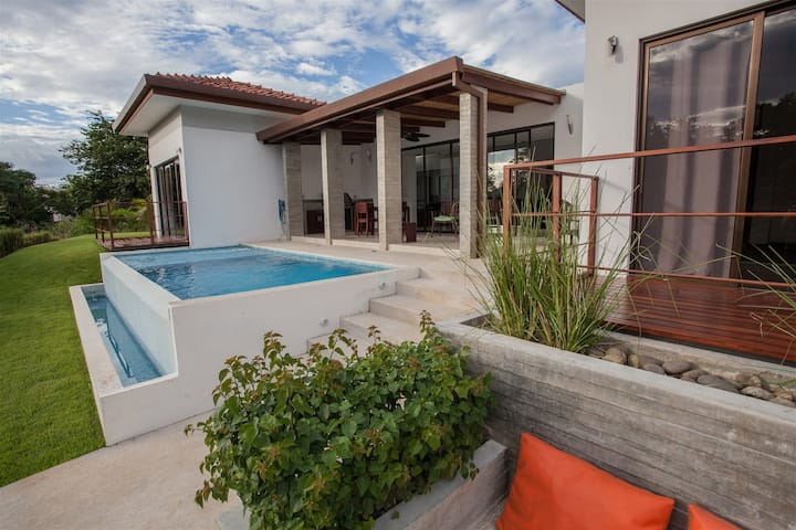 Modern Home in Pacifico Close to Everything