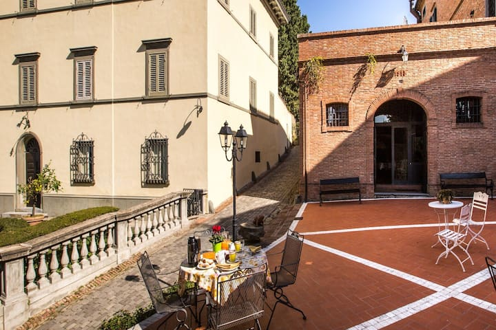 Rustic Apartment in San Miniato with Swimming Pool