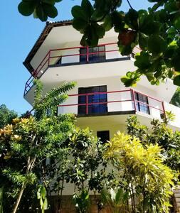 Spacious 1-Bedroom Duplex in top of Tower