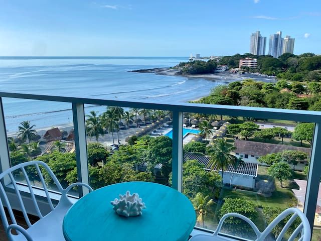 Beachfront Bliss-Vacation in Style Royal Palm #701