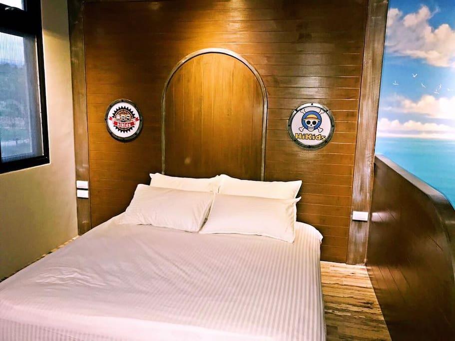Queen size Double Bed 加大雙人床型