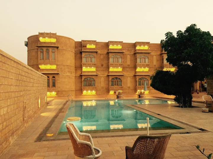 Golden Haveli - Meet the Stars