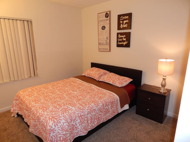 Warm and Cozy Room Close to Sawgrass Mall! - Plantation - Apartment