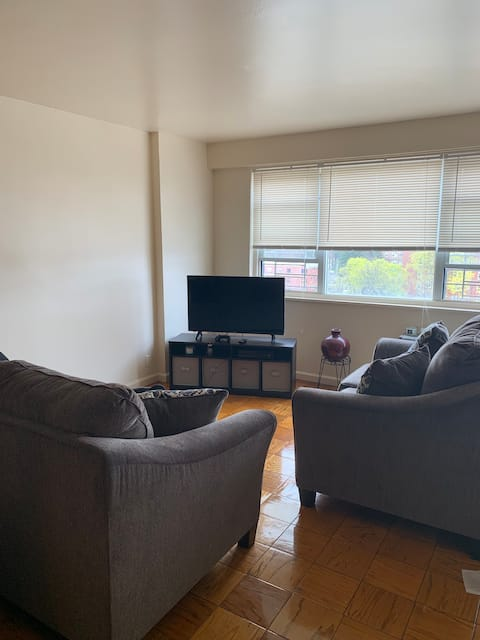 Apartment minutes from manhattan
