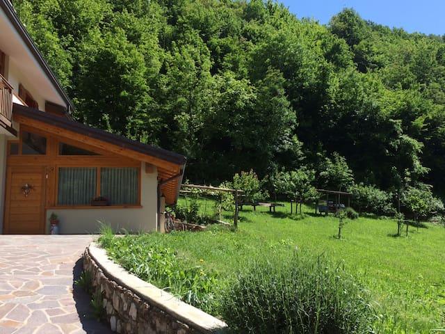 Casa Millefiori nel verde delle Piccole Dolomiti