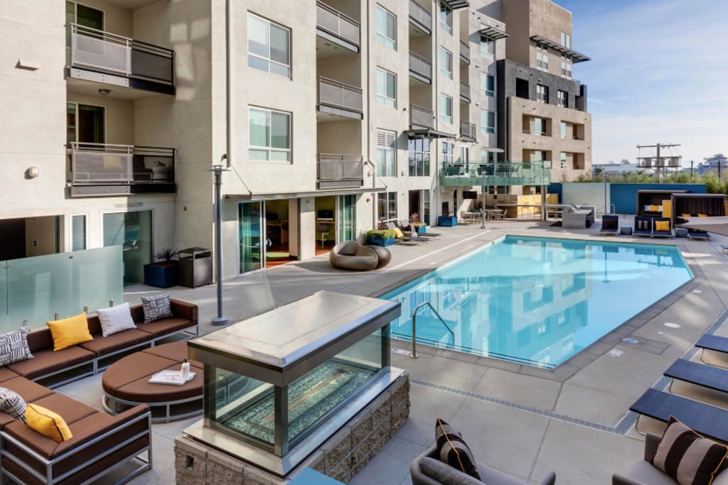 Luxury 1 Bedroom The Heart Of L A Apartments For Rent In Los Angeles California United States