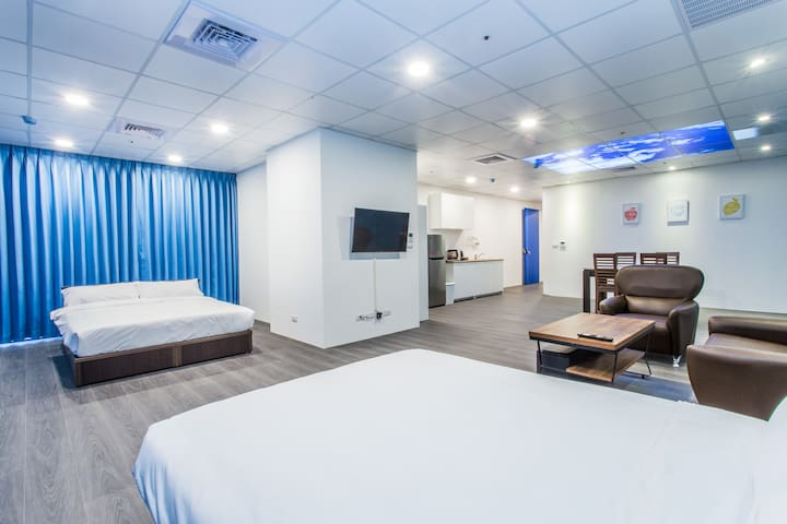 Brand new luxury suite with 5 star view of Taoyuan