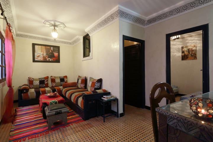 Appartement typique place jame elfna médina