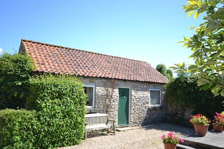 Fat Hen cottage at Beech Farm Cottages - Wrelton - Talo