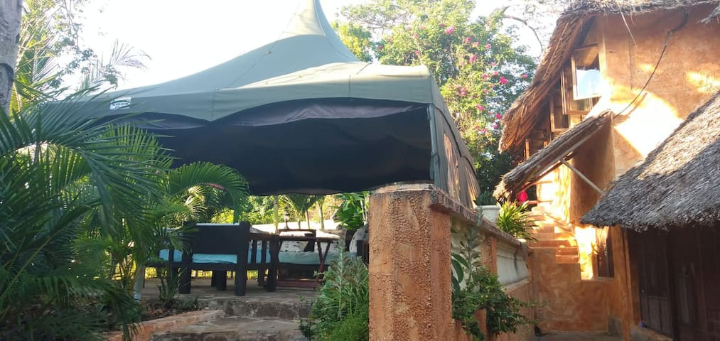 Hippie House, Diani Beach