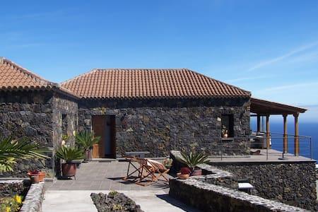 Casa Mirador - House