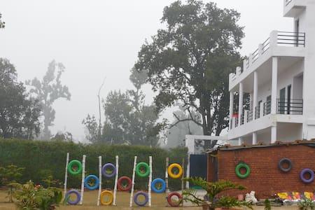 Jim Corbett Farm House near Jungle safari & Rivers