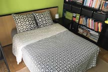 Comfortable double bed 140x190 cm