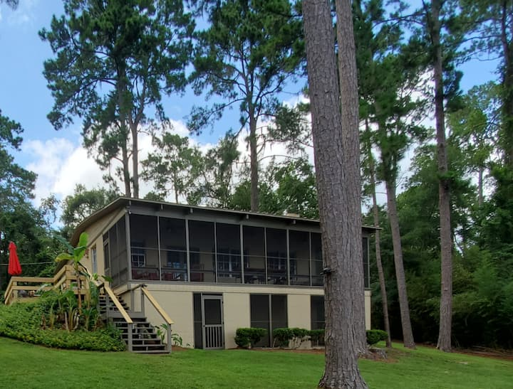 Lake Talquin Waterfront Home with Fishing Dock