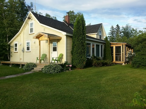 The Old Potter Homestead - sleeps 9 comfortably