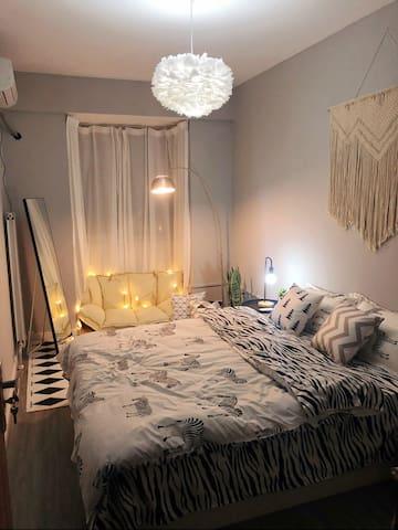 长清大学城、济南国际园博园——「浮梦」北欧风房间,超大地毯和落地沙发,房间超级温馨