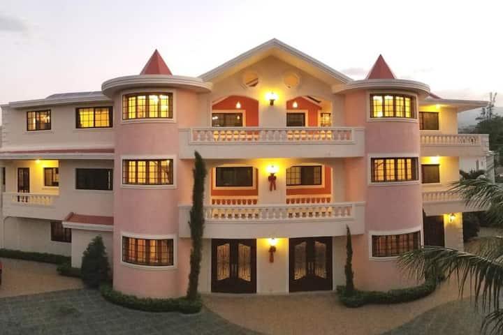 Luxury Rooms- Villa Elegance Hotel-Pétionville
