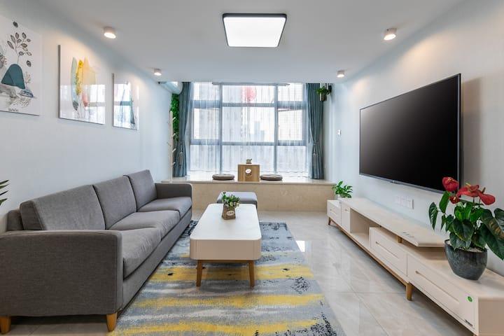 近三坊七巷 乳胶床垫 空气净化器 65寸电视 市中心高楼风景 近地铁口、楼下公交
