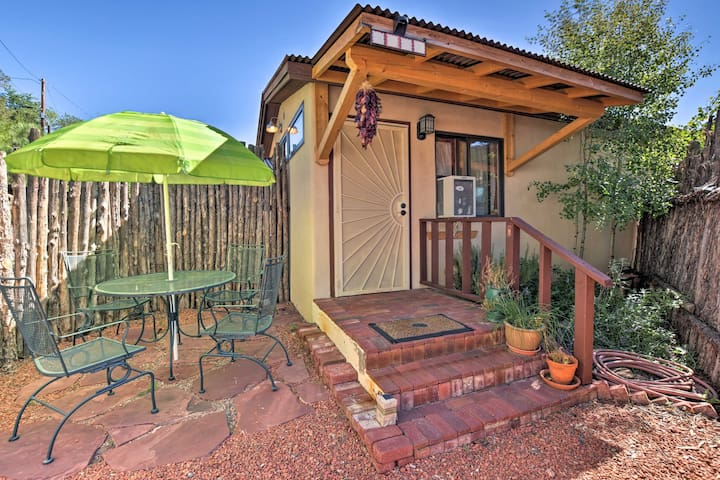 Cozy 'Casa Solar' Studio - Walk to Santa Fe Plaza!