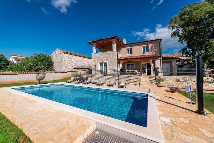 Rustic Villa Bellavista Radmani