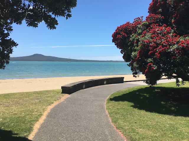 St Heliers 5min walk to beach - Studio with garden - Auckland