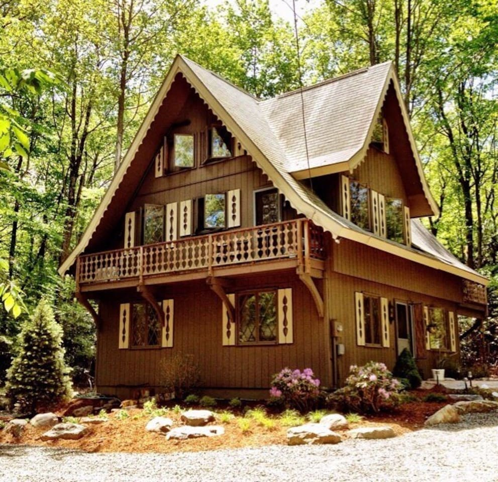 to condos cottages our listings stay img website and a visit places pocono rental condo poconos find cabins browse mountains