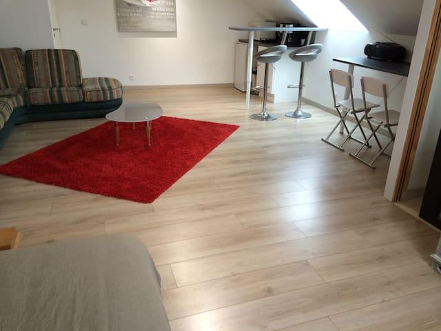 Studio indépendant dans maison - Le Coudray