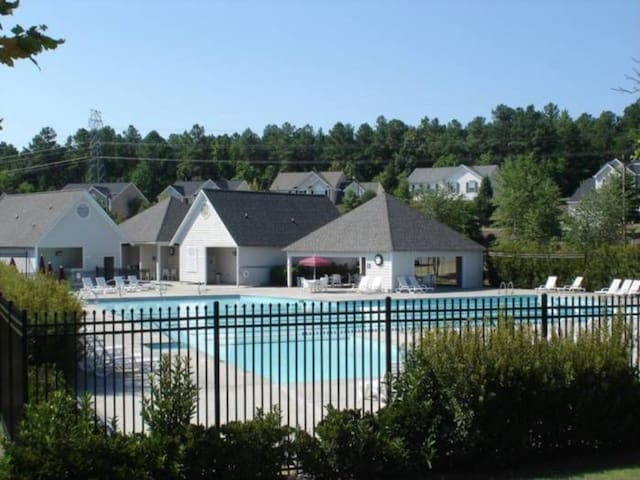 Make Yourself At Home Huge Pool Townhouses For Rent