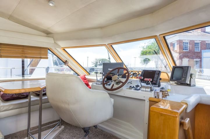 3 STATEROOM  YACHT SLEEPS 8 CLOSE TO BEACH & BARS - San Pedro  - Boat