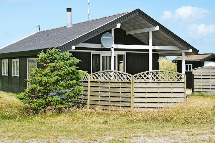 Modern Holiday Home at Frøstrup with Sauna