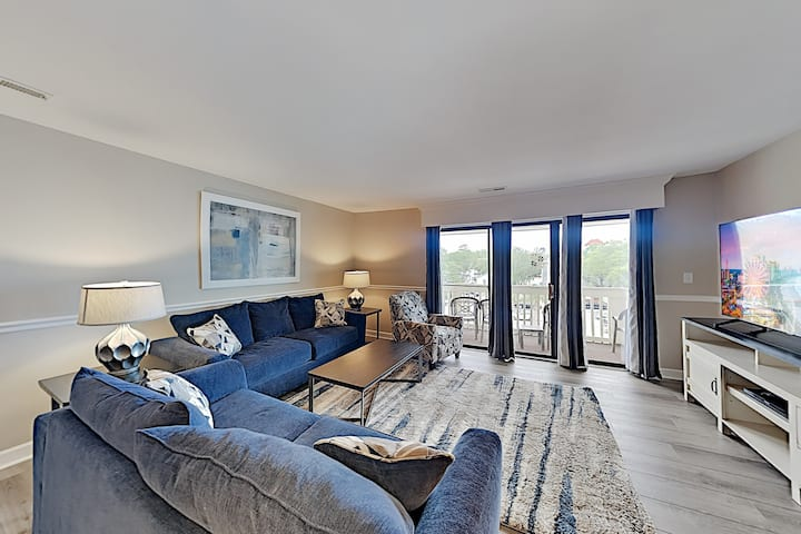 Remodeled Chelsea House Condo w/ Pool & Hot Tub