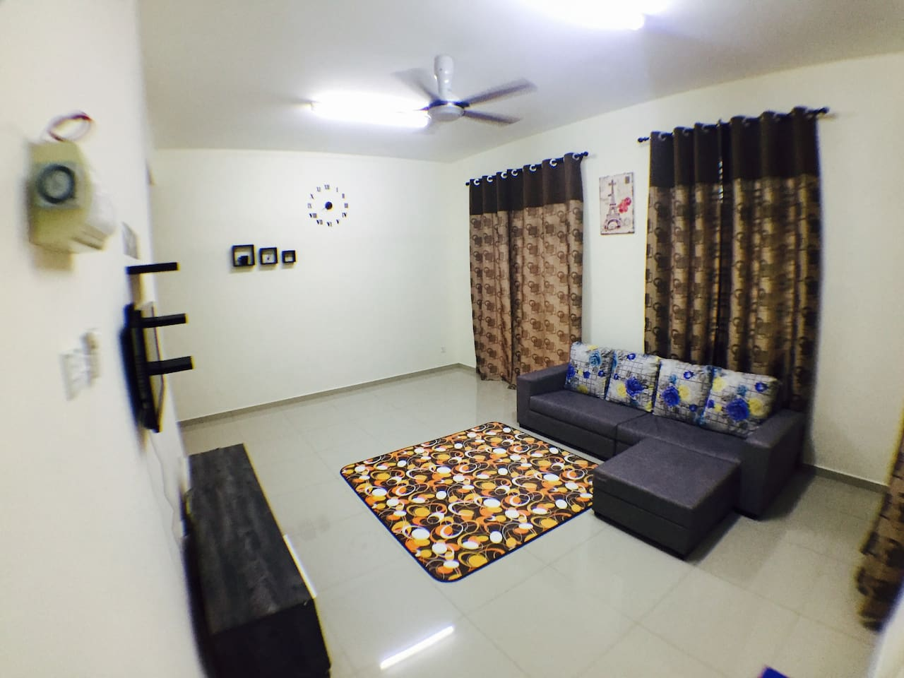 Living Room (Ruang Tamu).
