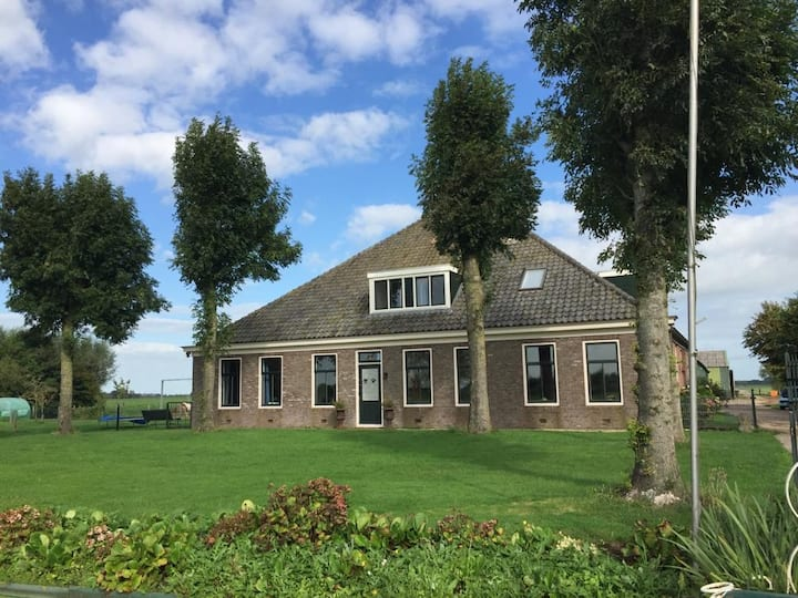 Beautiful farmhouse 4-8 guests