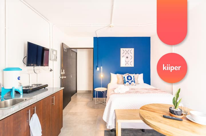 kiiper | Modern Studio with Patio | 2 PPL