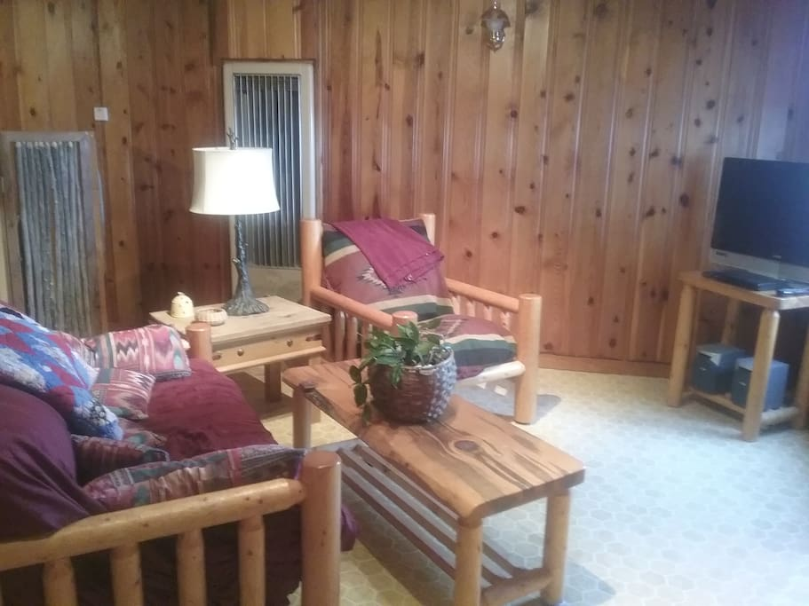 Rustic Sw Style Pet Friendly 1 Bedroom Apartment