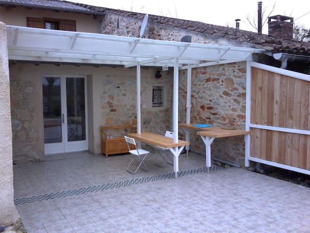 Studio en pleine campagne - Lagardiolle - Apartamento