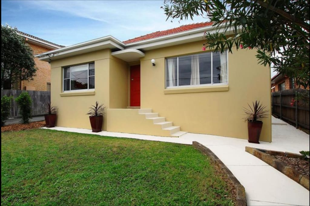 A solid brick three bedroom house in beachside suburb in Sydney