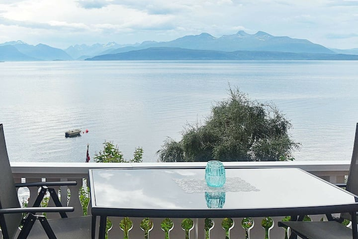 5 person holiday home in Molde
